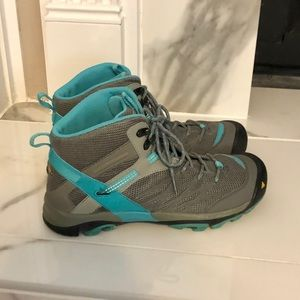 Keene Marshall Mid Hiking Boots 9 Turquoise Grey